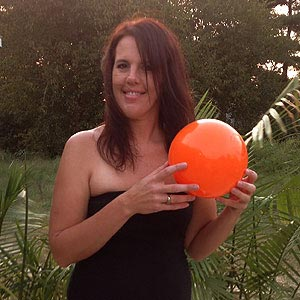 9'' Solid Orange Beach Balls