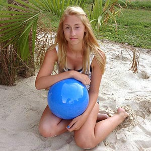 16'' Solid Light Blue Beach Balls